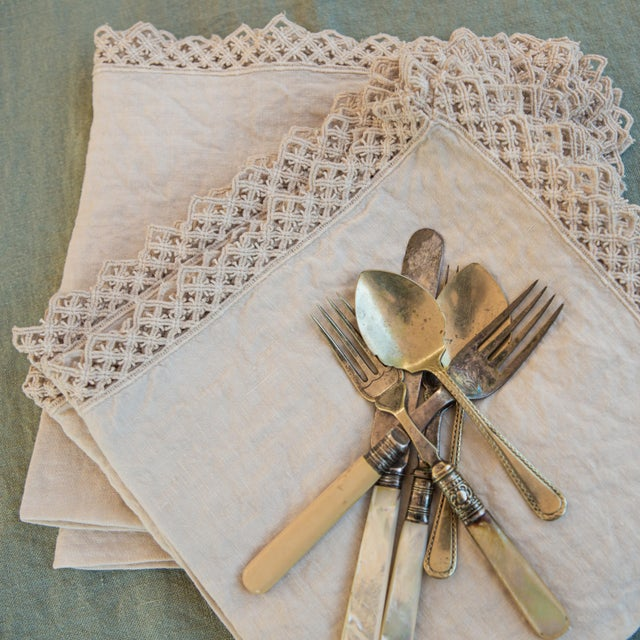 Once Milano Linen Napkin With Macramé in Cream For Sale - Image 4 of 7
