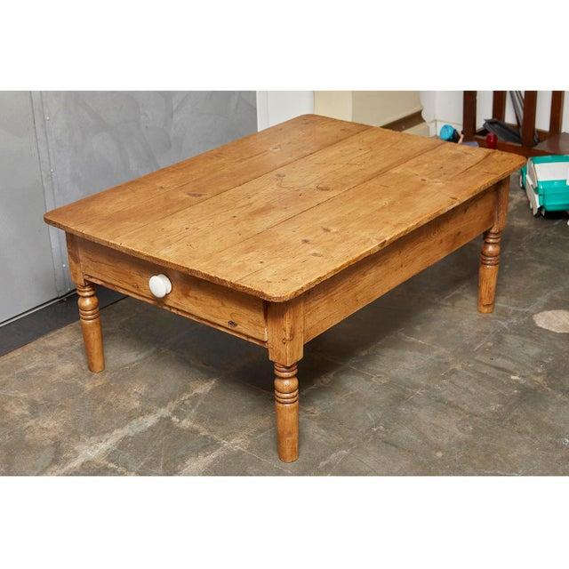 English Pine Coffee Table - Image 4 of 8