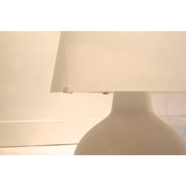 """Blown Glass Two Frosted Glass """"Fontana"""" Table Lamps by Max Ingrand for Fontana Arte, Italy For Sale - Image 7 of 9"""