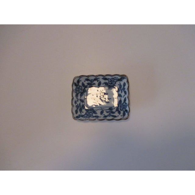 Chinese Export Trinket Dish in Blue and White For Sale In Miami - Image 6 of 6