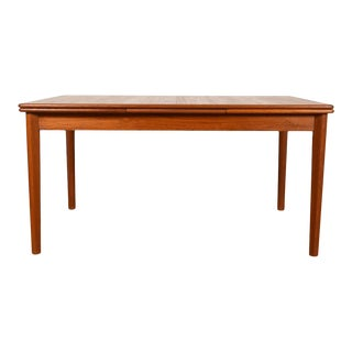Danish Modern Teak Expanding Dining Table With Vertical Grain For Sale
