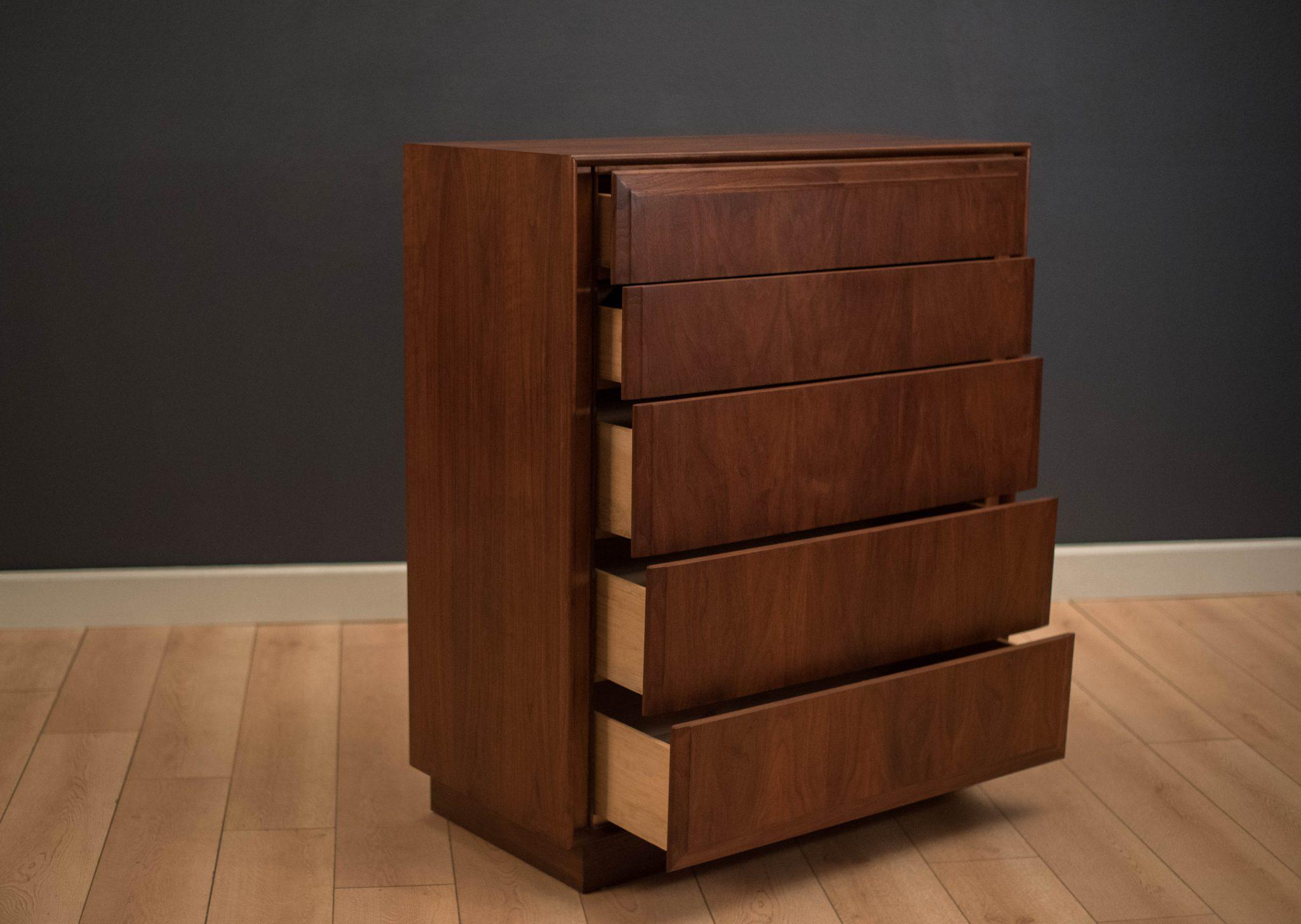Mid Century Highboy Dresser In Walnut Manufactured By Dillingham Furniture.  This Piece Includes Plenty