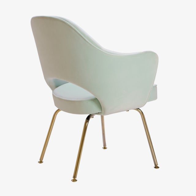 Saarinen Executive Arm Chairs in Mint Velvet, 24k Gold Edition - Set of 6 - Image 6 of 10
