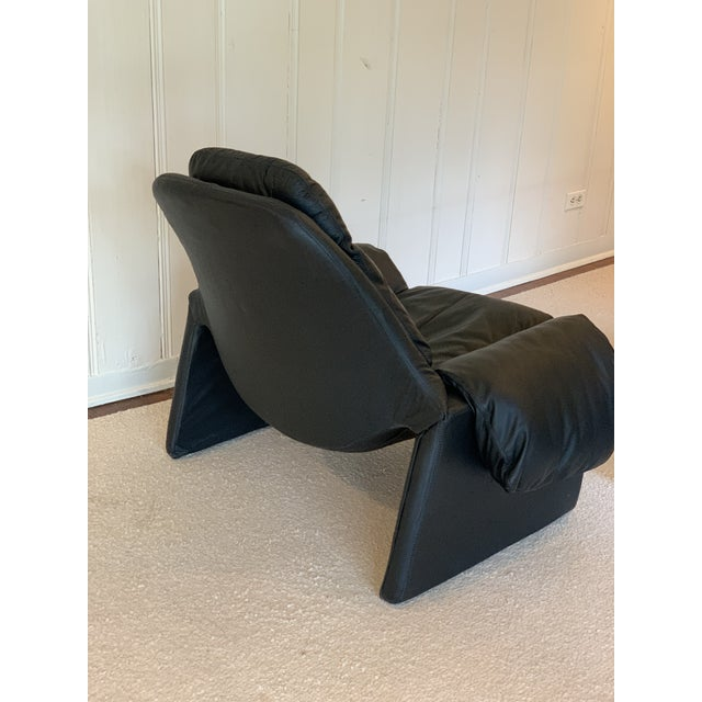 1970s Vintage Black Saporiti Lounge Chair and Ottoman by Vittorio Introini For Sale - Image 5 of 8