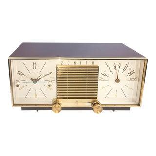 Vintage Zenith Taupe Tube Clock Radio