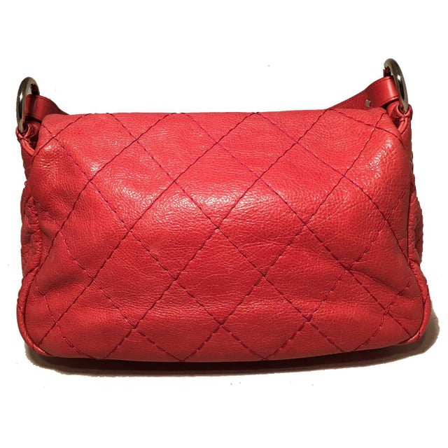 7c7959dbba31 Contemporary Chanel Red Quilted Glazed Leather Classic Flap Shoulder Bag  For Sale - Image 3 of