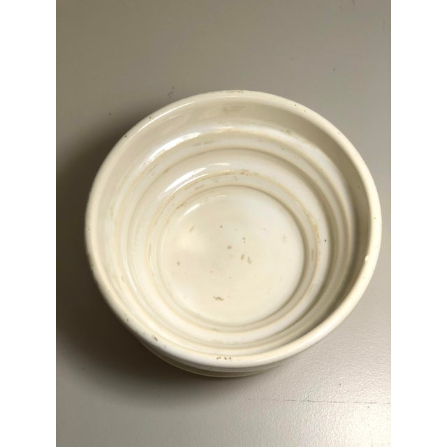 """American McCoy Pottery 1940s - 1960s Medium """"Cream"""" Mid-Century Flowerpot and Saucer For Sale - Image 3 of 6"""