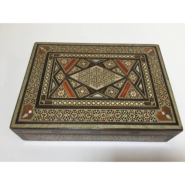 Islamic Middle Eastern Syrian Mother of Pearl Inlay Jewelry Box For Sale - Image 3 of 10