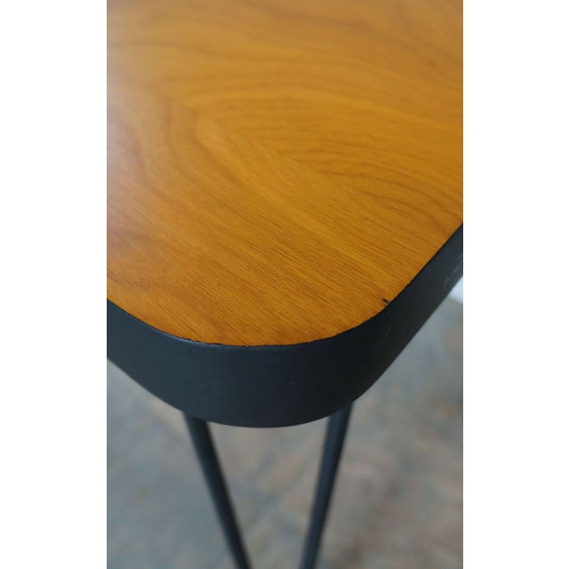 Mid-Century Modern Mid-Century Hairpin Side Table For Sale - Image 3 of 4