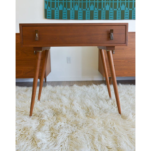 Mid-Century Modern Stanley Young Glenn of California Vanity Table For Sale - Image 3 of 7