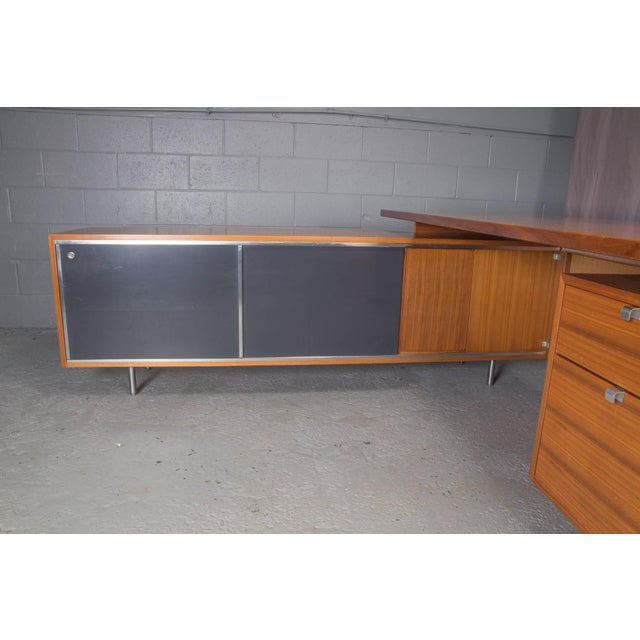 Walnut Executive L-Shaped Desk Unit by George Nelson for Herman Miller For Sale - Image 7 of 10