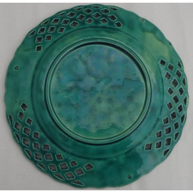 Green Majolica Redcurrant Wall Plate - Image 3 of 3