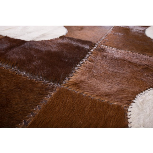 "Aydin Cowhide Patchwork Accent Area Rug - 5'1"" x 7'7"" For Sale In Chicago - Image 6 of 6"