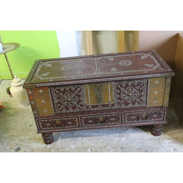 Zanzibar Arab Wooden And Brass Studded Trunk Coffee Cocktail Table - Studded coffee table