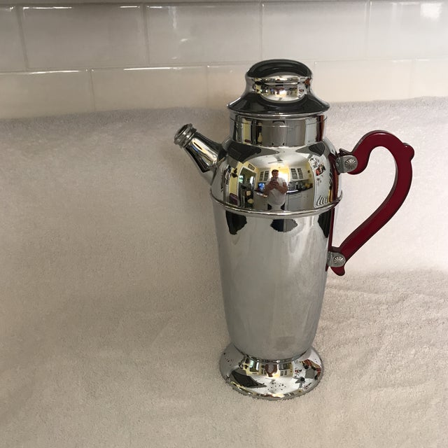 Vintage Chrome Cocktail Shaker For Sale - Image 4 of 10