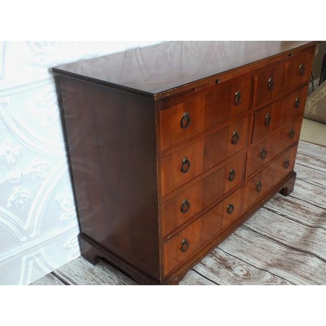 Vintage Georgian 8-Drawer Mahogany Dresser - Image 6 of 8