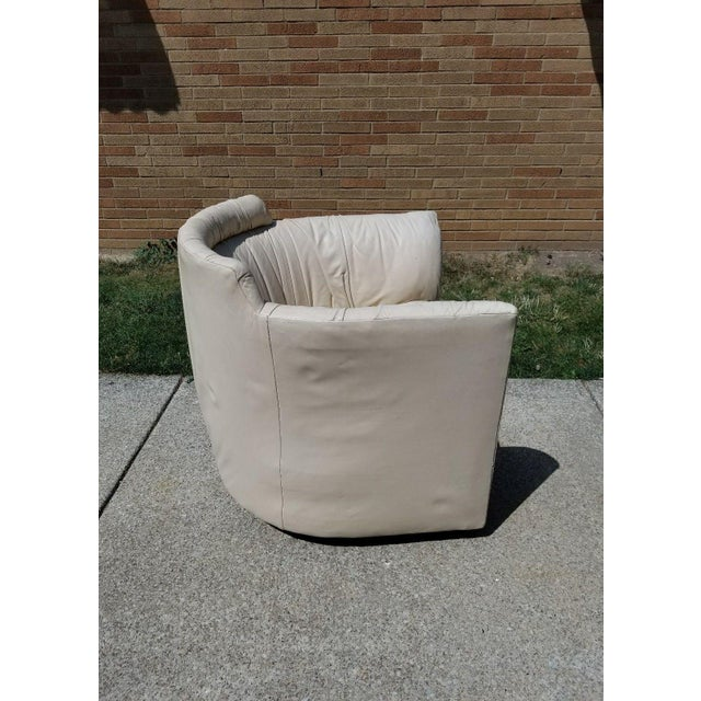 Contemporary John Saladino for Baker Leather Swivel Lounge Chair For Sale - Image 3 of 11