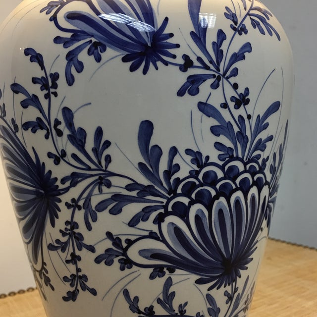 Eximious of London Blue & White Hand Painted Table Lamp - Image 5 of 9