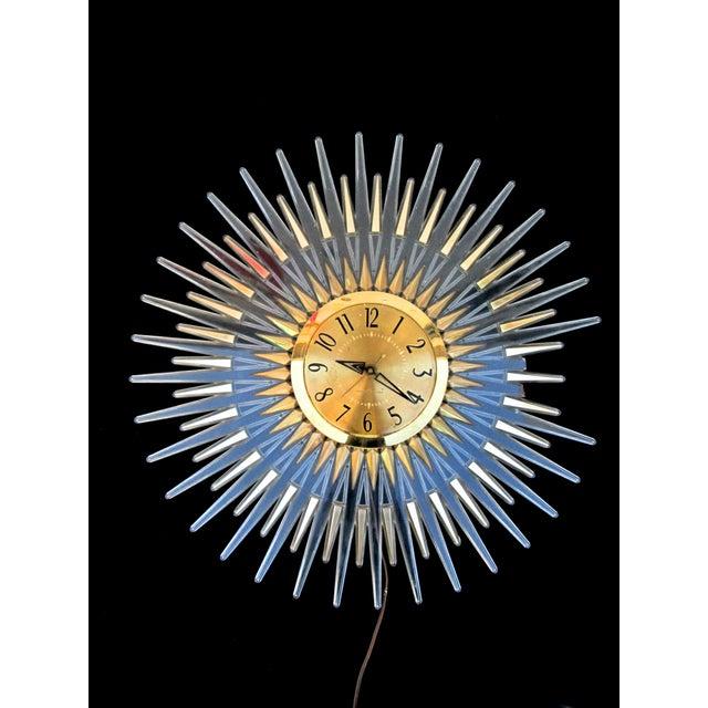 Mid-Century Modern Lucite Starburst Clock - Image 5 of 7