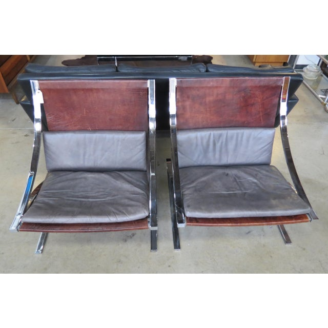 "Vintage Mid-Century Modern ""Z"" Chairs - A Pair For Sale In Seattle - Image 6 of 10"