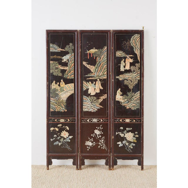 Chinese Export Three-Panel Lacquered Coromandel Screen For Sale - Image 12 of 13