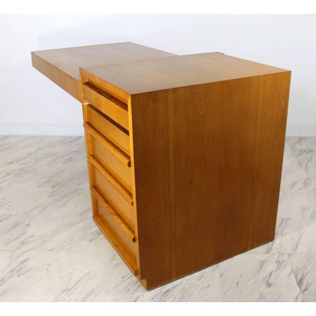 1950s Mid-Century Modern Robsjohn Gibbings for Widdicomb Walnut Cantilever Desk, 1950s For Sale - Image 5 of 11