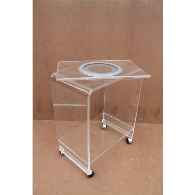 Mid-Century Lucite Swivel Top Bar Cart For Sale - Image 7 of 10