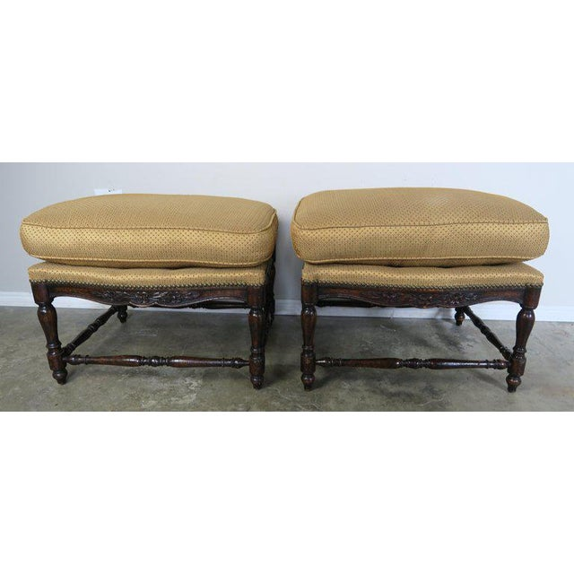 French Provincial French Louis XV Style Walnut Benches With Loose Cushions Circa 1900s, Pair For Sale - Image 3 of 9