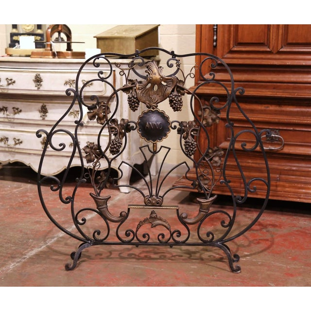 Metal Mid-20th Century French Louis XV Wrought Iron Fireplace Screen With Vine Motifs For Sale - Image 7 of 10