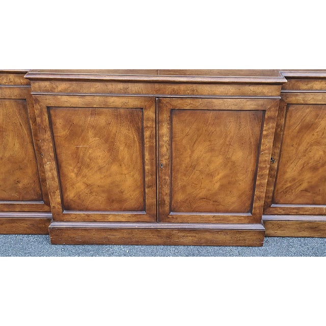 Vintage Late 20th Century Regency Style Old Colony Furniture Mahogany Breakfront Cabinet C1970s For Sale In New York - Image 6 of 13
