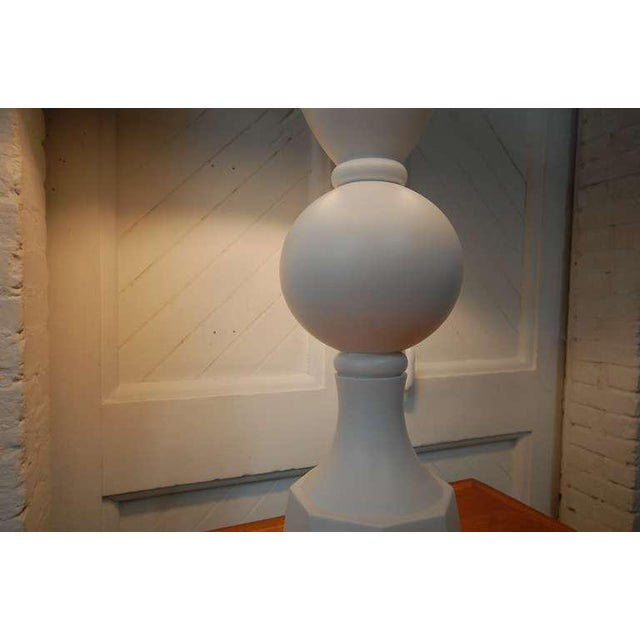 1960s Monumental Balustrade-Form Plaster Table Lamp For Sale - Image 5 of 11