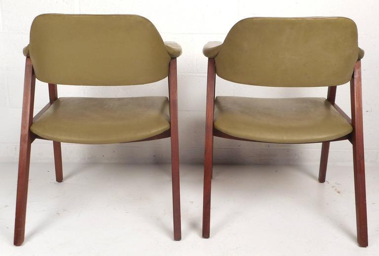 1970s Mid Century Modern Vinyl Barrel Back Chairs For Sale   Image 5 Of 10