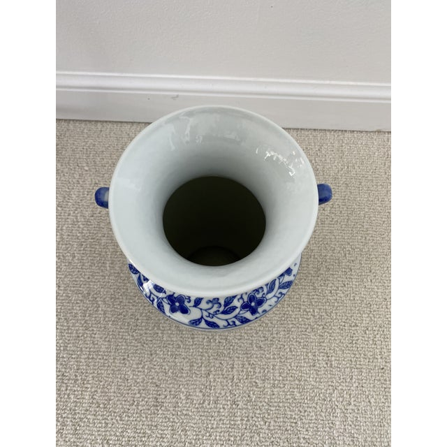 Chinoiserie Blue & White Porcelain Vase For Sale In Miami - Image 6 of 10