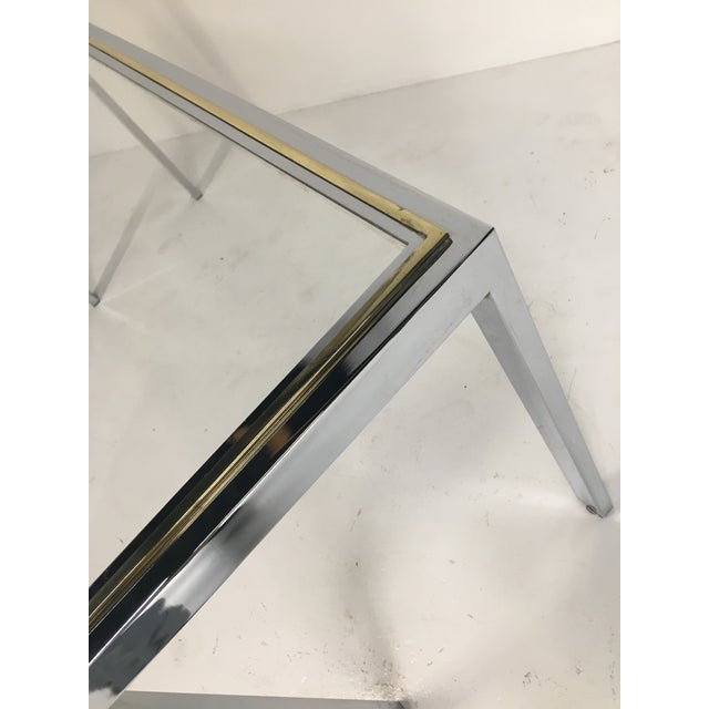 20th Century Minimalist Chrome and Glass Parsons Console Table With Brass Accents For Sale In Chicago - Image 6 of 13