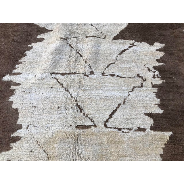 White Turkish Floor Oversize Handwoven Brown and White Hemp Rug For Sale - Image 8 of 10