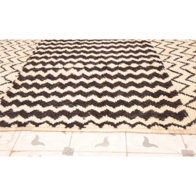 "Boho Chic Azilal Vintage Moroccan Rug - 3'5"" x 6'5"" For Sale - Image 3 of 4"