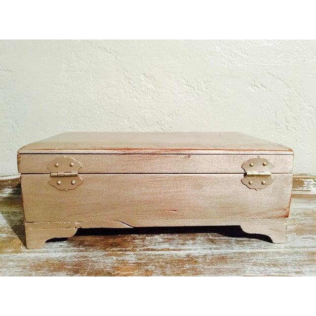 Vintage Shabby Chic Cedar Box - Image 6 of 9