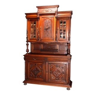 French Renaissance Carved Walnut and Beveled Glass Hunt Cupboard For Sale