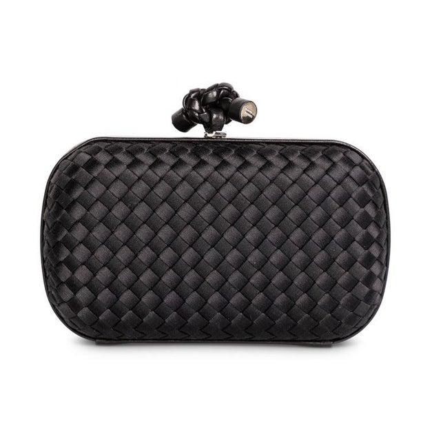 2000s Bottega Veneta Black Intrecciato Satin Leather Knot Clutch For Sale - Image 4 of 7
