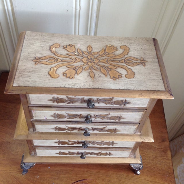 French Provincial Mid-Century French Provincial Jewelry Box For Sale - Image 3 of 9