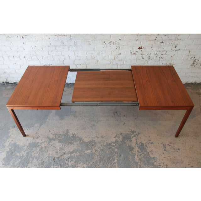 41b8b381ad6ef Walnut 1957 Vintage Florence Knoll for Knoll International Walnut Extension  Dining Table For Sale - Image