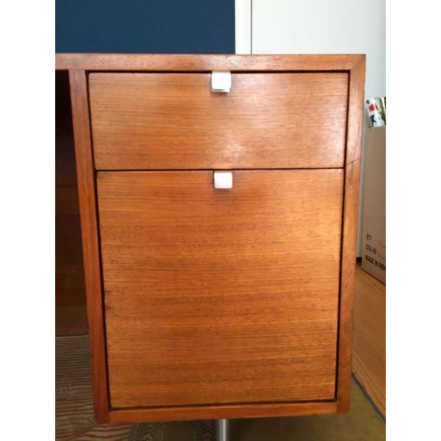 Mid-Century Modern Herman Miller / George Nelson Executive Office Group Desk For Sale - Image 3 of 11