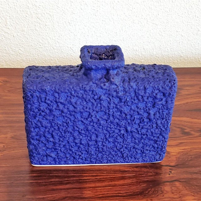 Mid-Century Modern Silberdistel Keramik Chimney Vase in Yves Klein Blue 7/18 For Sale - Image 3 of 7