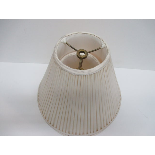Traditional Vintage Pair of Ecru Back Pleaded Silk Lampshades With Brass Fittings For Sale - Image 3 of 6