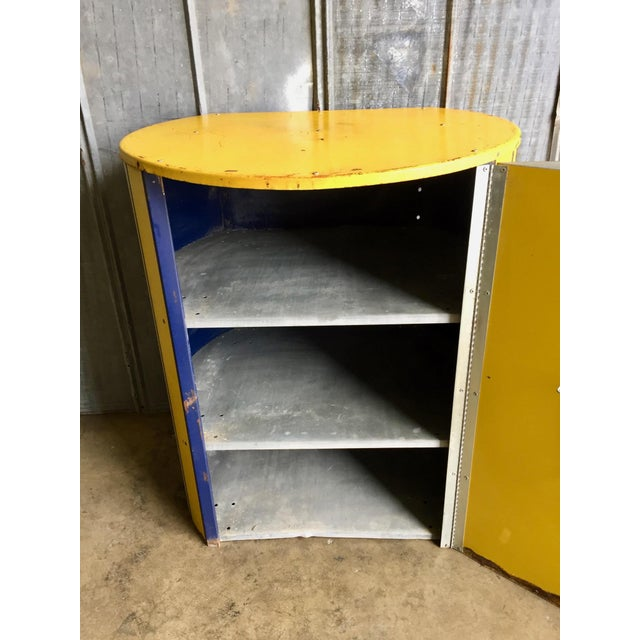 Vintage Monroe Shock Absorbers Trade Display Cabinet For Sale In Austin - Image 6 of 11