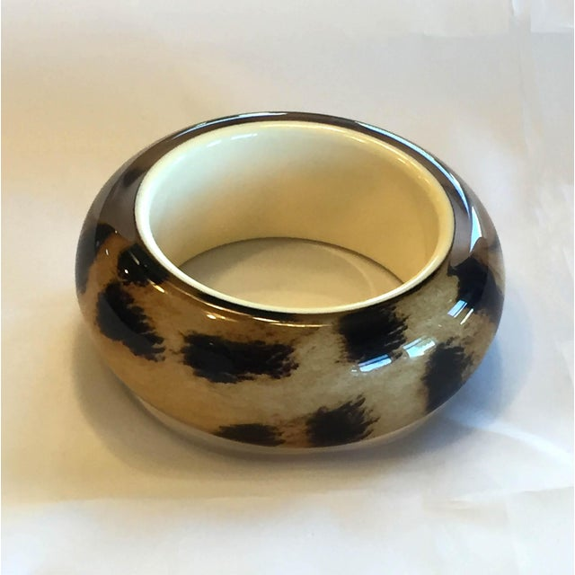 Contemporary Roberto Cavalli Lucite Resin Animal Print Leopard Oversize Bangle Bracelet For Sale - Image 3 of 5