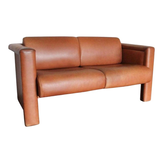 1980s Trix & Robert Haussmann for Knoll Tan Brown Saddle 2-Seat Sofa For Sale