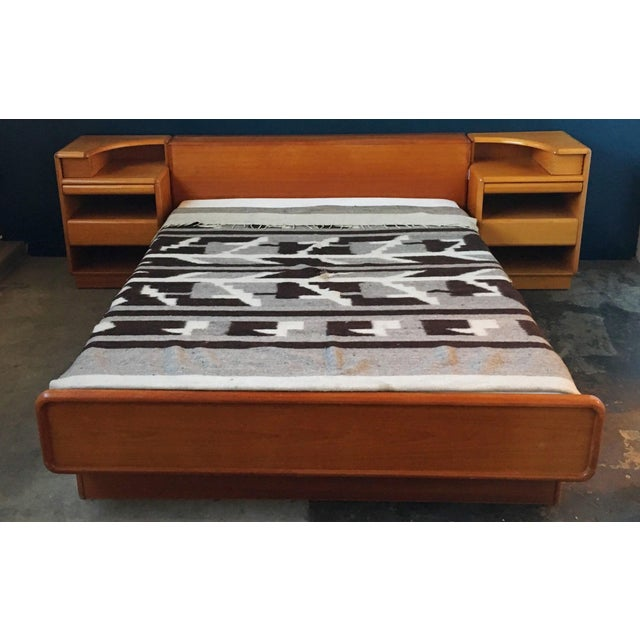 Mid-Century Brouer Platform Bed & Nightstands - Image 2 of 9