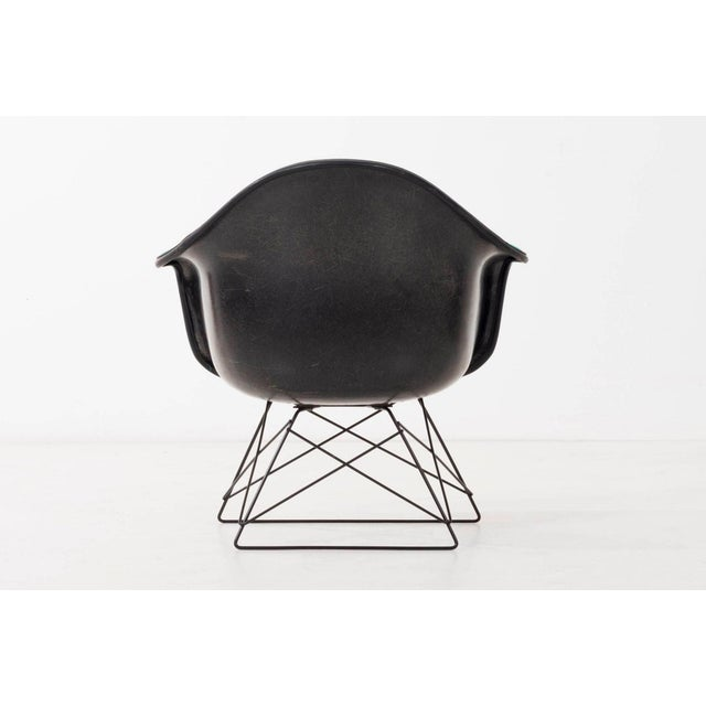 Herman Miller Set of Four Eames LAR Chairs For Sale - Image 4 of 9