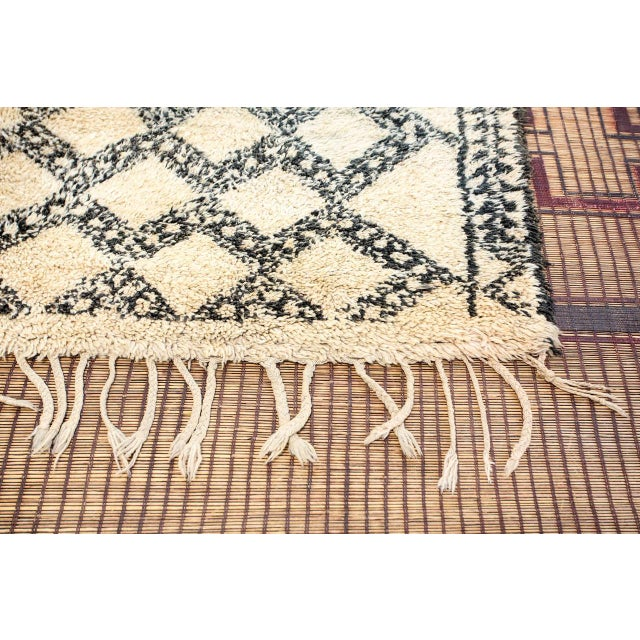 1950s Vintage Moroccan Beni Ouarain Shaggy Tribal Rug North Africa For Sale - Image 5 of 9